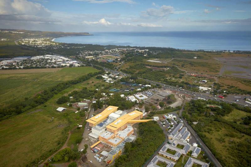 pôle sanitaire de l'ouest, hôpital de Saint-Paul, chantier Demathieu Bard construction  - Pôle santé ouest, Saint-Paul, La Réunion